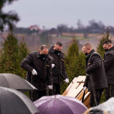 Ceremonia pogrzebowa (31)