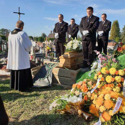 Ceremonia pogrzebowa (37)