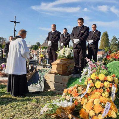 Ceremonia pogrzebowa (38)
