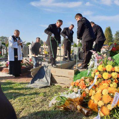 Ceremonia pogrzebowa (39)