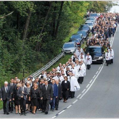 Ceremonia pogrzebowa (52)