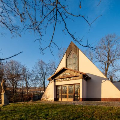 Kaplica i okolice (11)