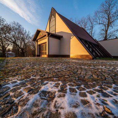 Kaplica i okolice (5)